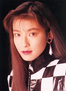 1992年森高千里の以前の整形画像.png