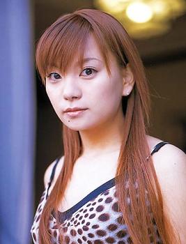 2002年保田圭の最近のがぞ.png