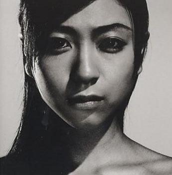 2002年宇多田ヒカルの画像.png