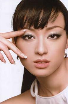2008年栗山千明のメイク画像.png