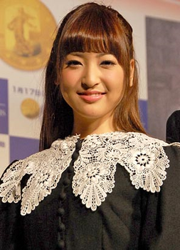 2011年25歳のコゼット役の神田沙也加の画像.png