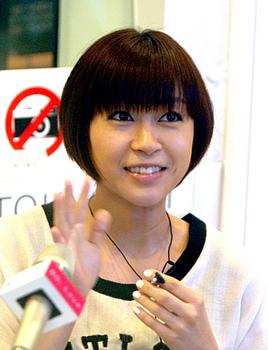2012年宇多田ヒカルの画像.png