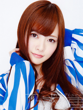 2013年5月白石麻衣の画像.png