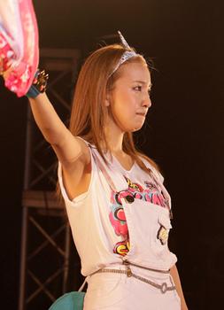 2014年8月板野友美の整形画像.png