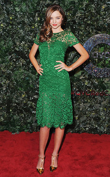 ミランダカーのグリーンドレスの画像.png