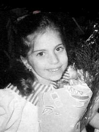 レディ―ガガの子供の頃の整形画像.png