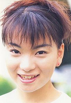 昔の保田圭の画像.png