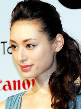 栗山千明2013年29歳の画像.png