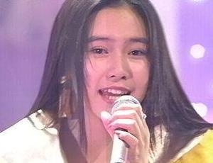 歌手時代の中谷美紀の画像.png