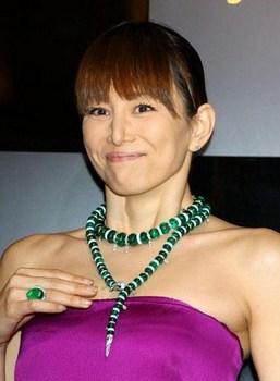 米倉涼子の整形2012年鼻変画像