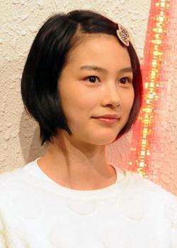 能年玲奈の整形2013年紅白リハーサル画像.png